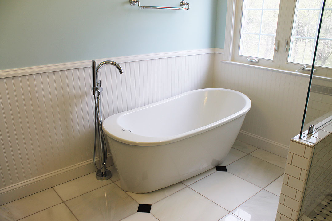 Bathroom remodel in haymarket va by ramcom kitchen bath - Small bathroom remodel with tub ...